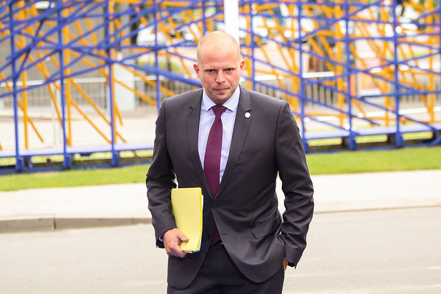 Francken gate – an illustrative example of risks in returning migrants at any cost