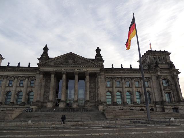 "German coalition envisages ""transit processes"" at land borders but details remain unclear"