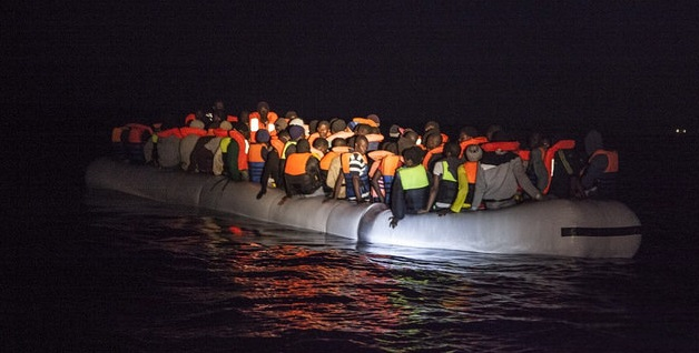 34 refugees die waiting more than 24 hours as ships sinks off the coast of Morocco
