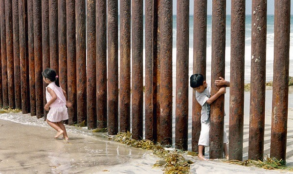 Immigration Delays Increase Amid US Government Shutdown